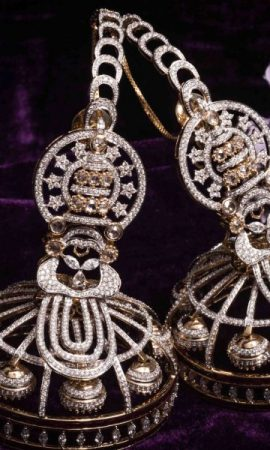 ORRA-Kathakali-custom-made-earrings-1-910x600